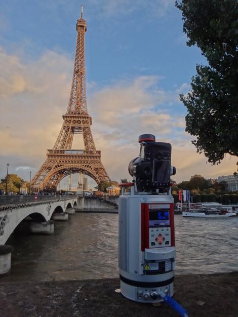 VZ-400_Eiffelturm01