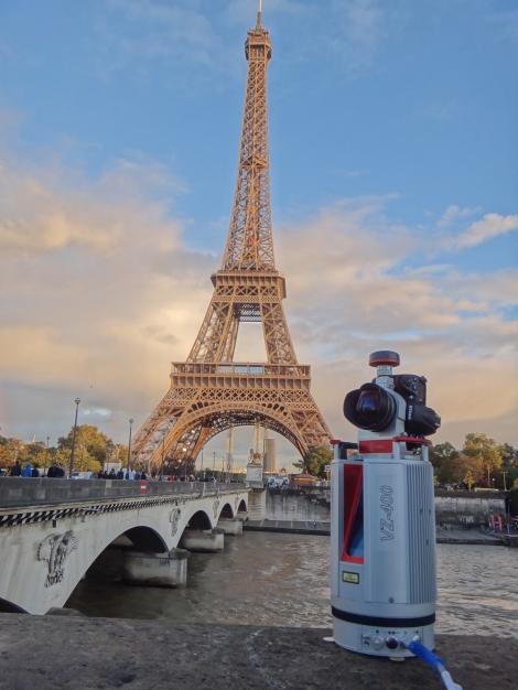 VZ-400_Eiffelturm02